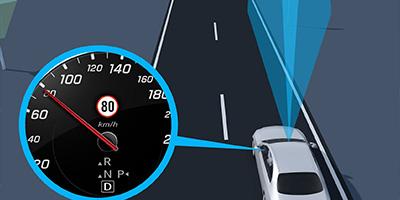 EBERT Mercedes EQC Verkehrszeichen-Assistent